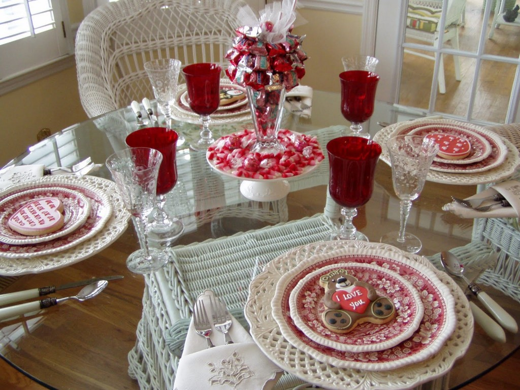 Lovely-Table-Decor-For-Valentines-Day-84-In-Small-Home-Decor-Inspiration-with-Table-Decor-For-Valentines-Day